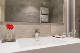 Foto del lavello del bagno di una stanza Superior
